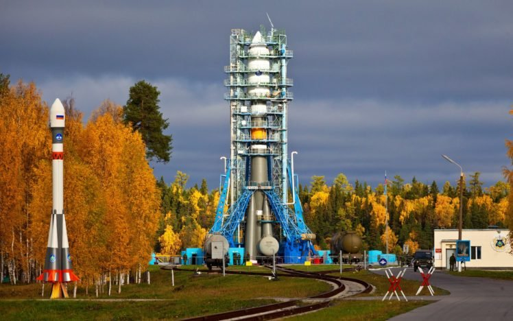 space station, Spaceship, Rockets, Clouds, Russian, Trees, Technology, Soldier HD Wallpaper Desktop Background