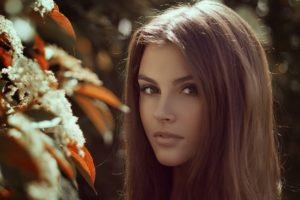 women, Brunette, Brown eyes, Flowers, Depth of field, Kristina Gontar