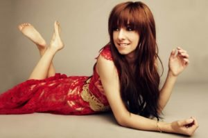 Christina Grimmie, Women, Auburn hair