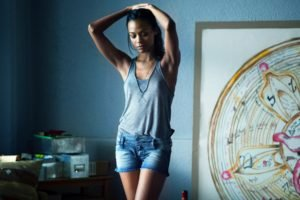 women, Zoe Saldana, Brunette, Shorts, Tank top, Arms up, Nipples through clothing, Armpits, Legs, Movies