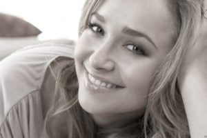 Hayden Panettiere, Blonde, Platinum blonde, Eyes, Blue eyes, Monochrome, Lips, Smiling