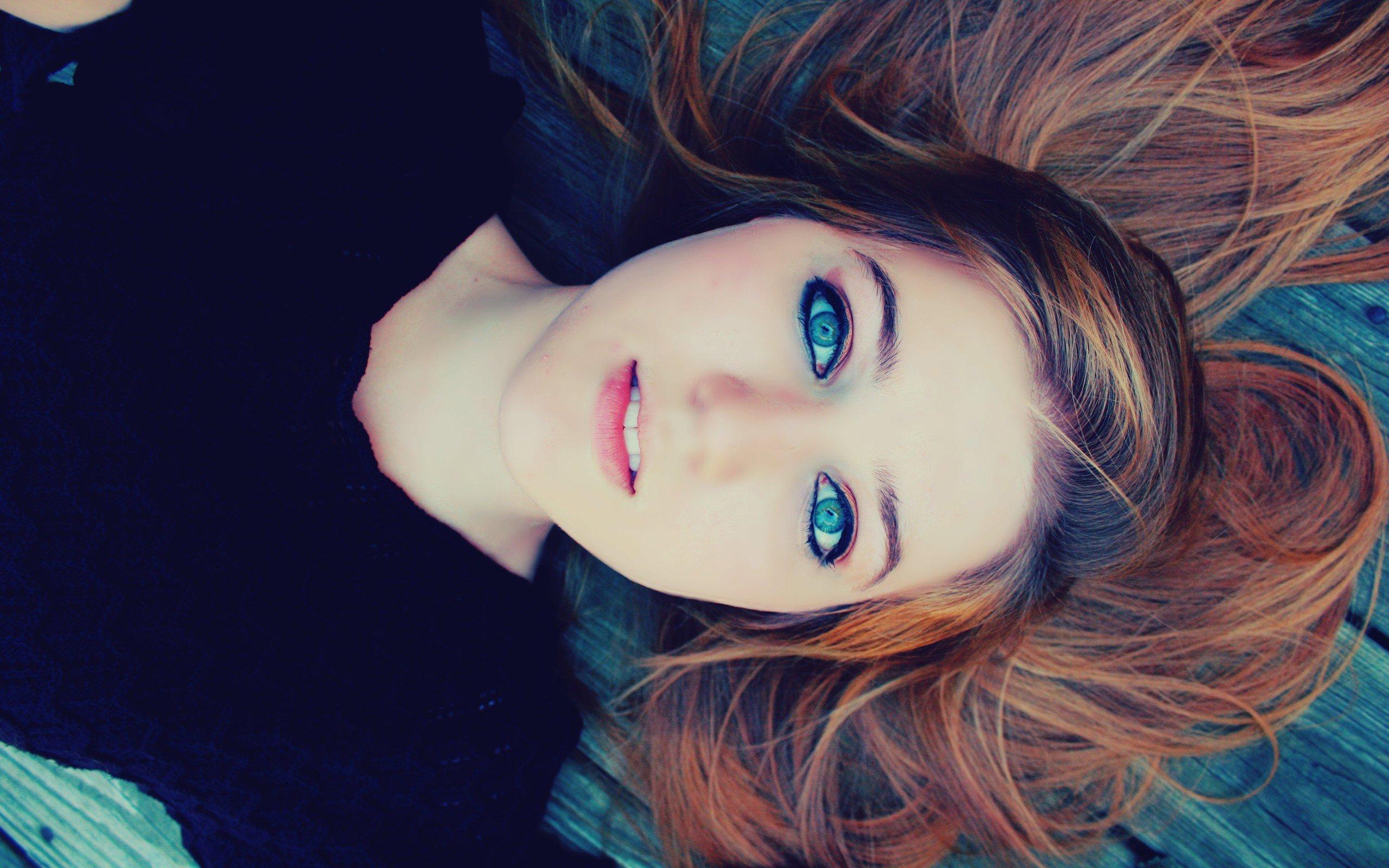 women, Face, Brunette, Blue eyes, Lying down Wallpaper