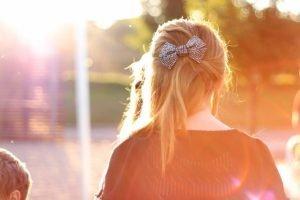 women, Blonde, Sun rays, Hair bows, Sunlight