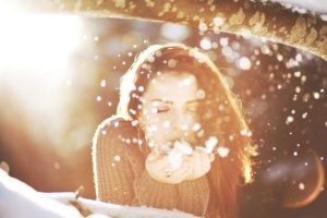 women, Brunette, Sunlight, Bright, Snow, Closed eyes, Sun rays
