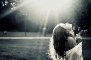 women, Brunette, Sun rays, Monochrome