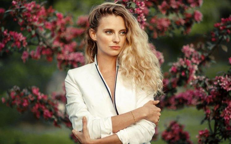 women, Blonde, Blue eyes HD Wallpaper Desktop Background