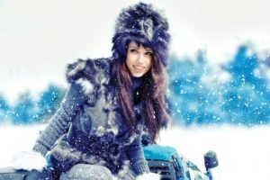 women, Snow, Women outdoors, Fur, Brunette, Long hair, Smiling, Izabela Magier