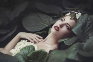 women, Nature, Model, Dress, Women outdoors, Brunette, Red lipstick, Face, Open mouth, Leaves, Pearls, Lily pads, Flower in hair