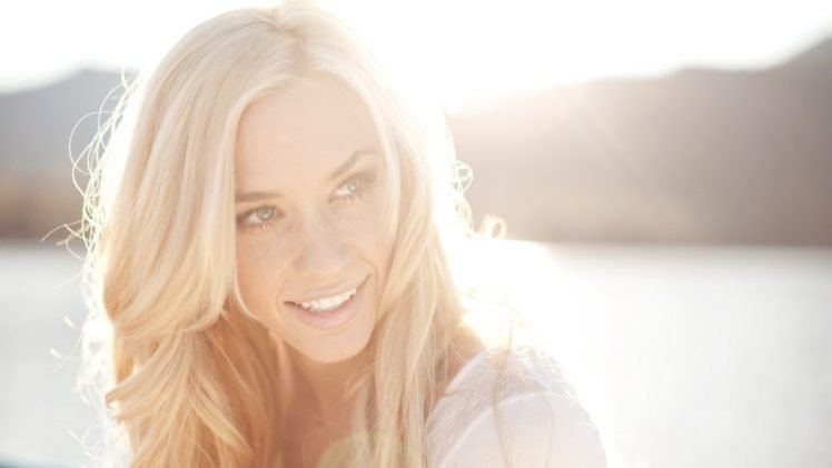 women, Blonde, Sunlight, Water, Blue eyes, Smiling, Bright HD Wallpaper Desktop Background