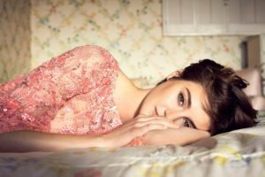 women, Model, Brunette, Long hair, Face, Dress, Brown eyes, In bed, Shailene Woodley