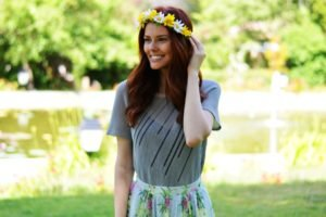 women, Redhead, Smiling, Flowers, Wreaths, Women outdoors, Long hair