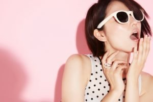 Masami Nagasawa, Open mouth, Asian, Women, Sunglasses, Short hair, Pink background, Polka dots, Brunette, Rings