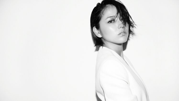 Masami Nagasawa, Women, Asian, Simple background, Hair in face, Short hair HD Wallpaper Desktop Background