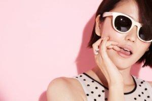 Masami Nagasawa, Sunglasses, Finger on lips, Asian, Women, Short hair, Polka dots, Pink background, Brunette, Rings