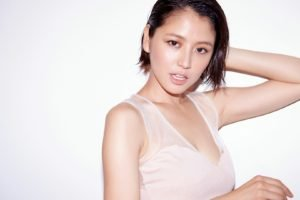 Masami Nagasawa, Simple background, White tops, Asian, Women, Wet hair, Brunette, Short hair