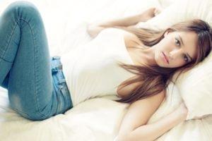 women, Model, Brunette, Linoy Sror, Jeans, Tank top, Lying down, In bed