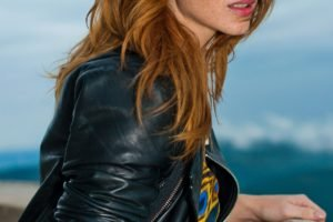 women, Actress, Redhead, Long hair, Vica Kerekes, Eva Kerekesová, Brown eyes, Freckles, Leather jackets, Open mouth, Women outdoors, Sea
