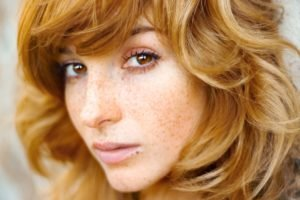 women, Actress, Redhead, Long hair, Vica Kerekes, Eva Kerekesová, Brown eyes, Freckles, Face, Depth of field
