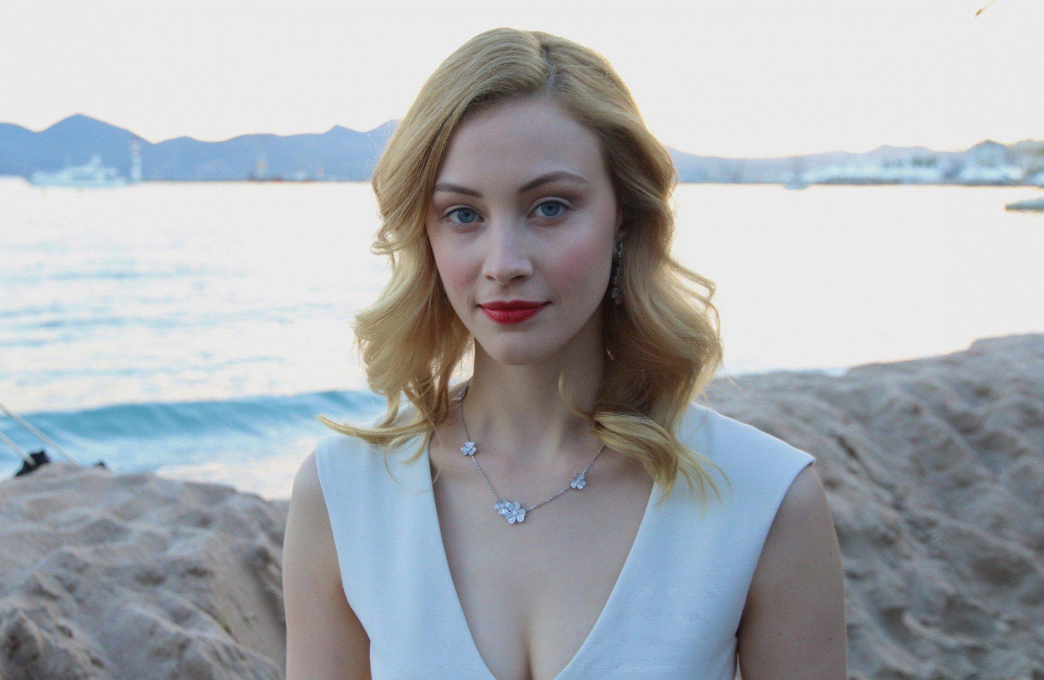 Sarah Gadon, Women, Actress, Blonde, Red lipstick, Blue eyes Wallpaper