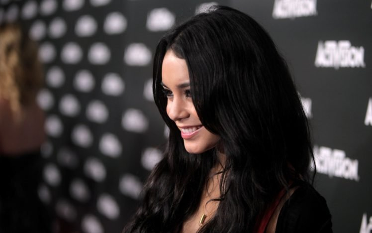 women, Vanessa Hudgens, Brunette, Actress, Smiling, Dark hair, Long hair HD Wallpaper Desktop Background