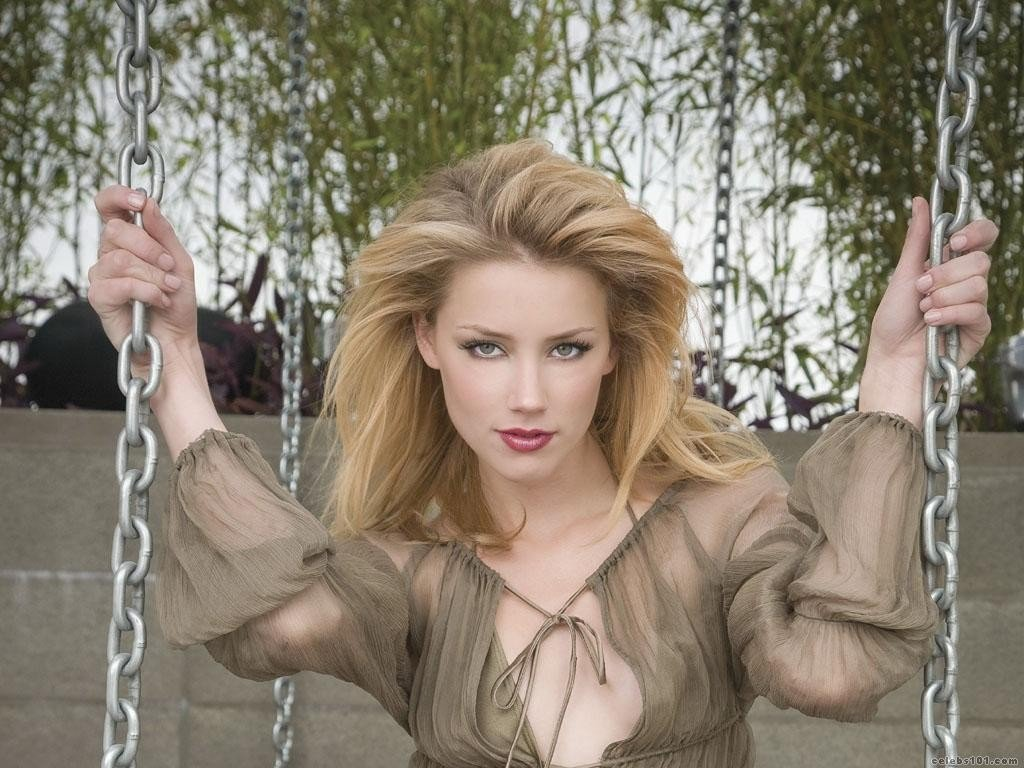 Amber Heard Hd: Amber Heard HD Wallpapers / Desktop And Mobile Images & Photos