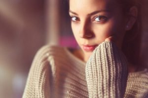 women, Model, Brunette, Looking at viewer, Brown eyes, Face, Sweater