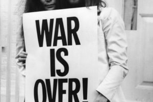 men, Women, Couple, Musicians, Singer, John Lennon, Yoko Ono, Street, Monochrome, Glasses, Long hair, Beards, Peace, Christmas, Poster, Legend, Protestors