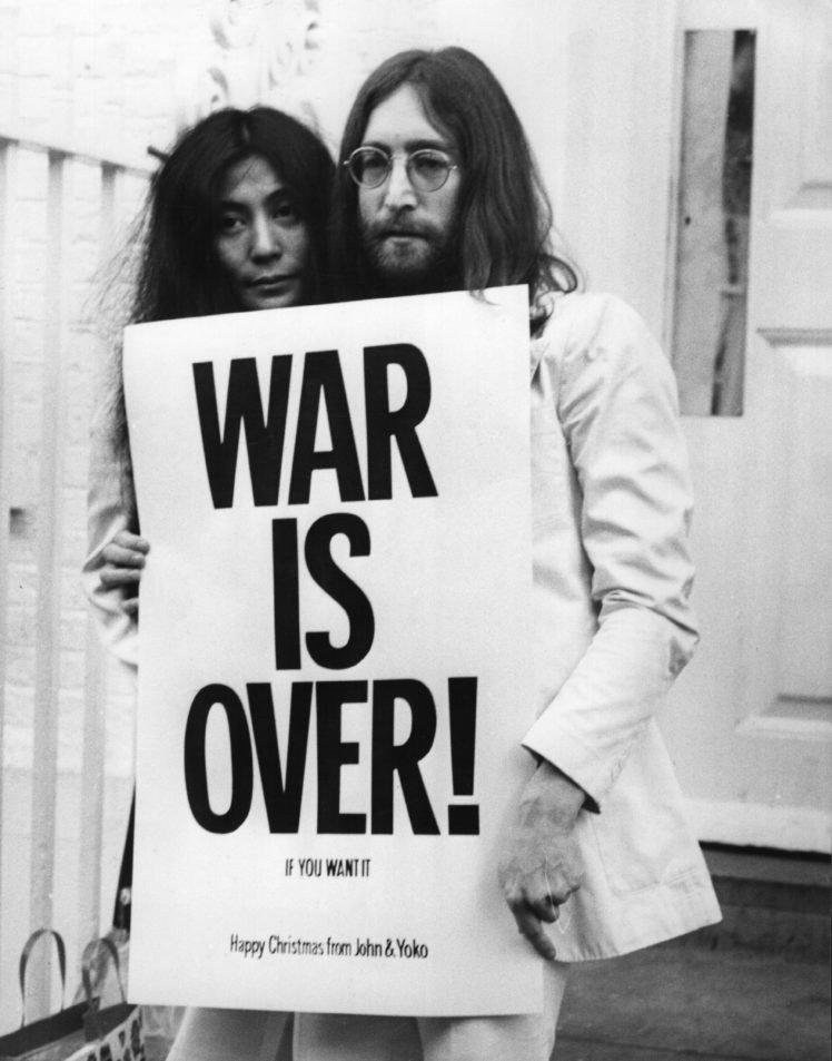 men, Women, Couple, Musicians, Singer, John Lennon, Yoko Ono, Street, Monochrome, Glasses, Long hair, Beards, Peace, Christmas, Poster, Legend, Protestors HD Wallpaper Desktop Background