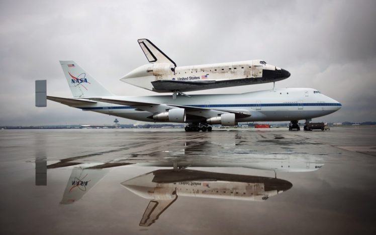Nasa Boeing 747 Space Shuttle Discovery Hd Wallpapers Desktop And Mobile Images Photos