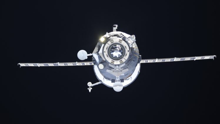 International Space Station, Roscosmos State Corporation, Space, Progress HD Wallpaper Desktop Background