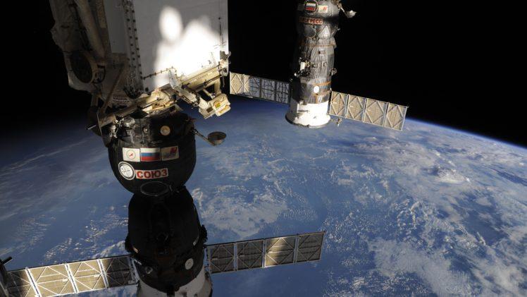 International Space Station, Roscosmos State Corporation, NASA, Progress, Soyuz, ESA HD Wallpaper Desktop Background