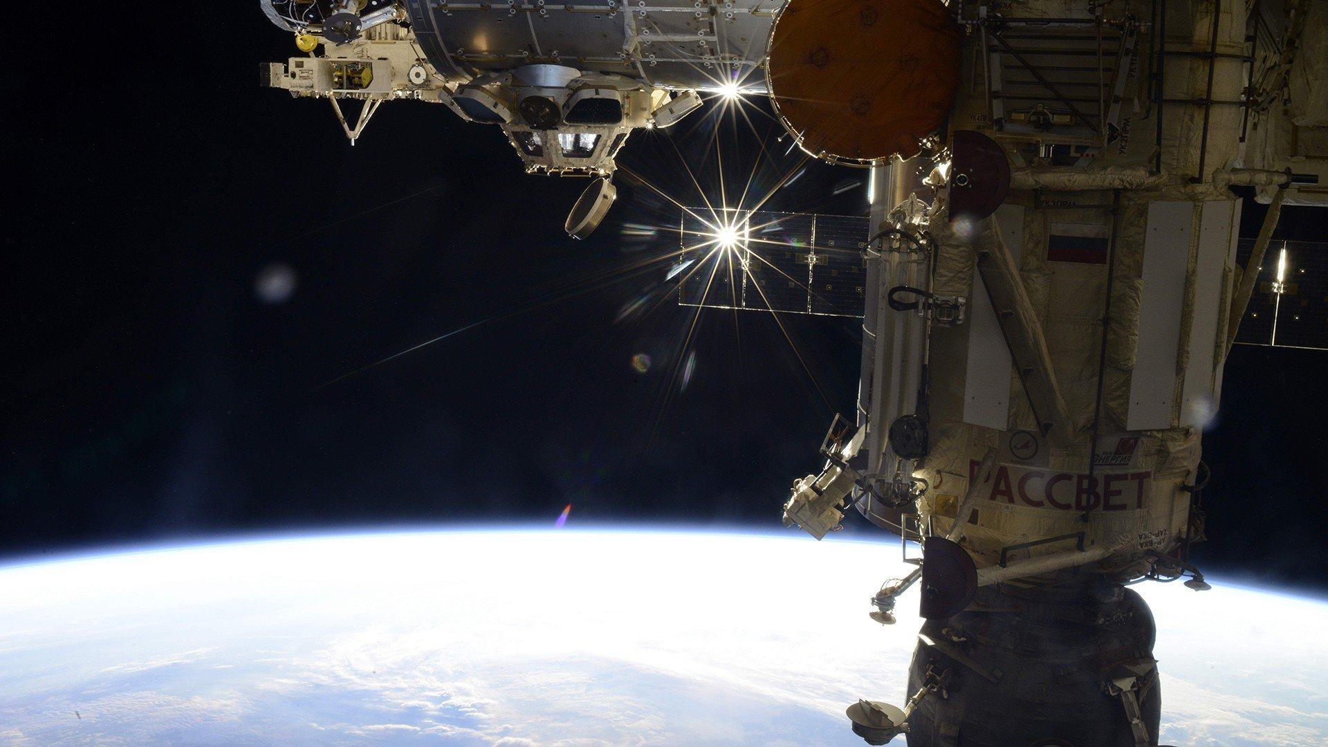 Roscosmos nasa international space station hd wallpapers - Space station wallpaper ...