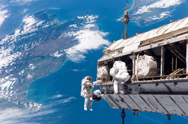Earth NASA Space Spacesuit Spaceship International Station HD Wallpaper Desktop