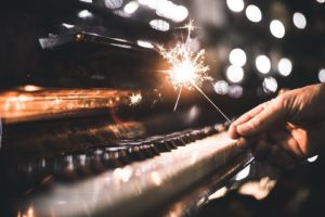 hands, Music, Piano, Sparkler, Bokeh, Depth of field