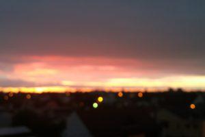 sunset, Blurred, Lights, Sun rays, Rain