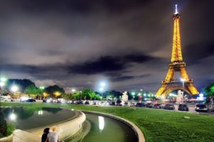 couple, Architecture, Building, City, Cityscape, Urban, Night, Lights, Clouds, Eiffel Tower, Paris, France, Street light, Car, Trees, Water, Grass