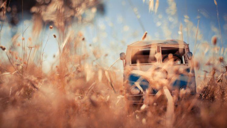 Tylko na zewnątrz Kim Leuenberger, Car, Worm&039;s eye view, Vehicle, Toy, VW Kombi IY76