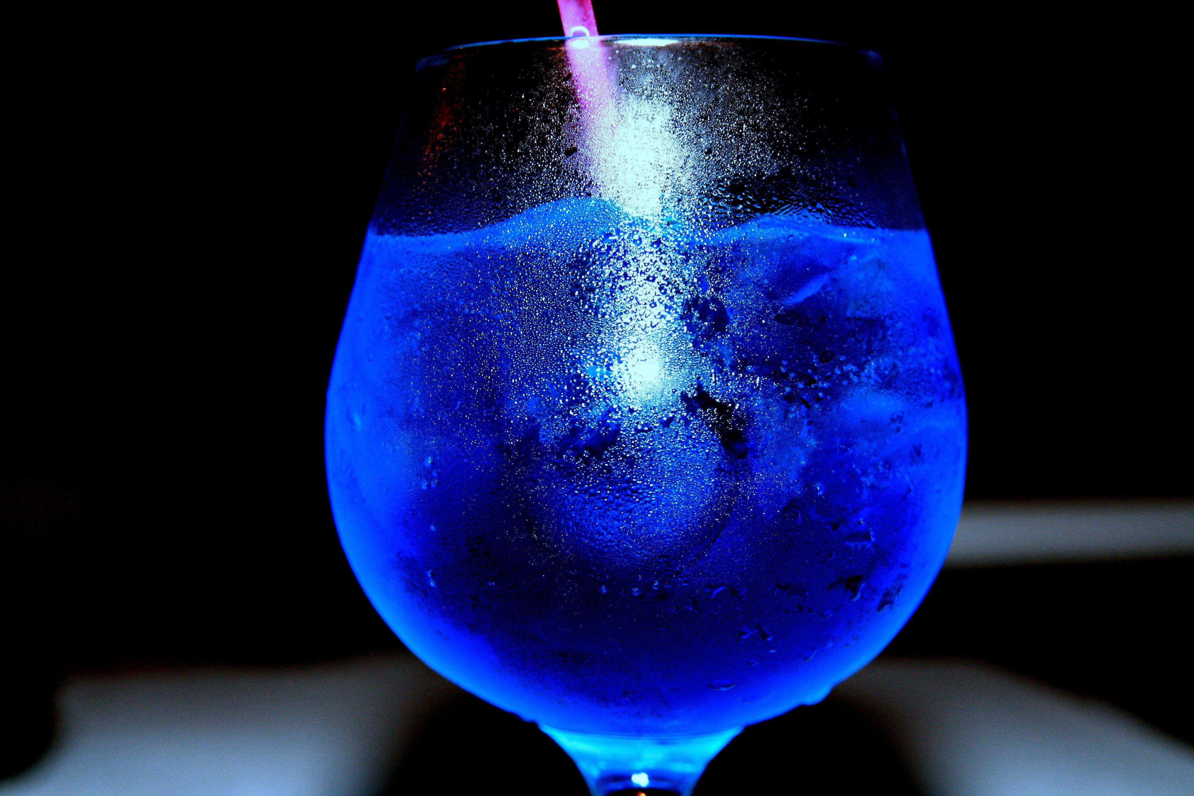 Liquid Hd Wallpaper: Drinking Glass, Liquid HD Wallpapers / Desktop And Mobile
