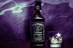 Jack Daniels, Alcohol
