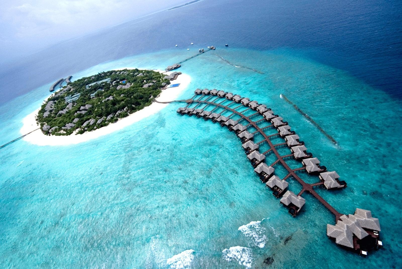 maldives The most fluid way to experience the maldives is aboard four seasons explorer, where daily changing vistas, remote waters and some of the maldives most experienced boatmen, crew and divers take you on an epic journey of discovery into the lesser known outer atolls.
