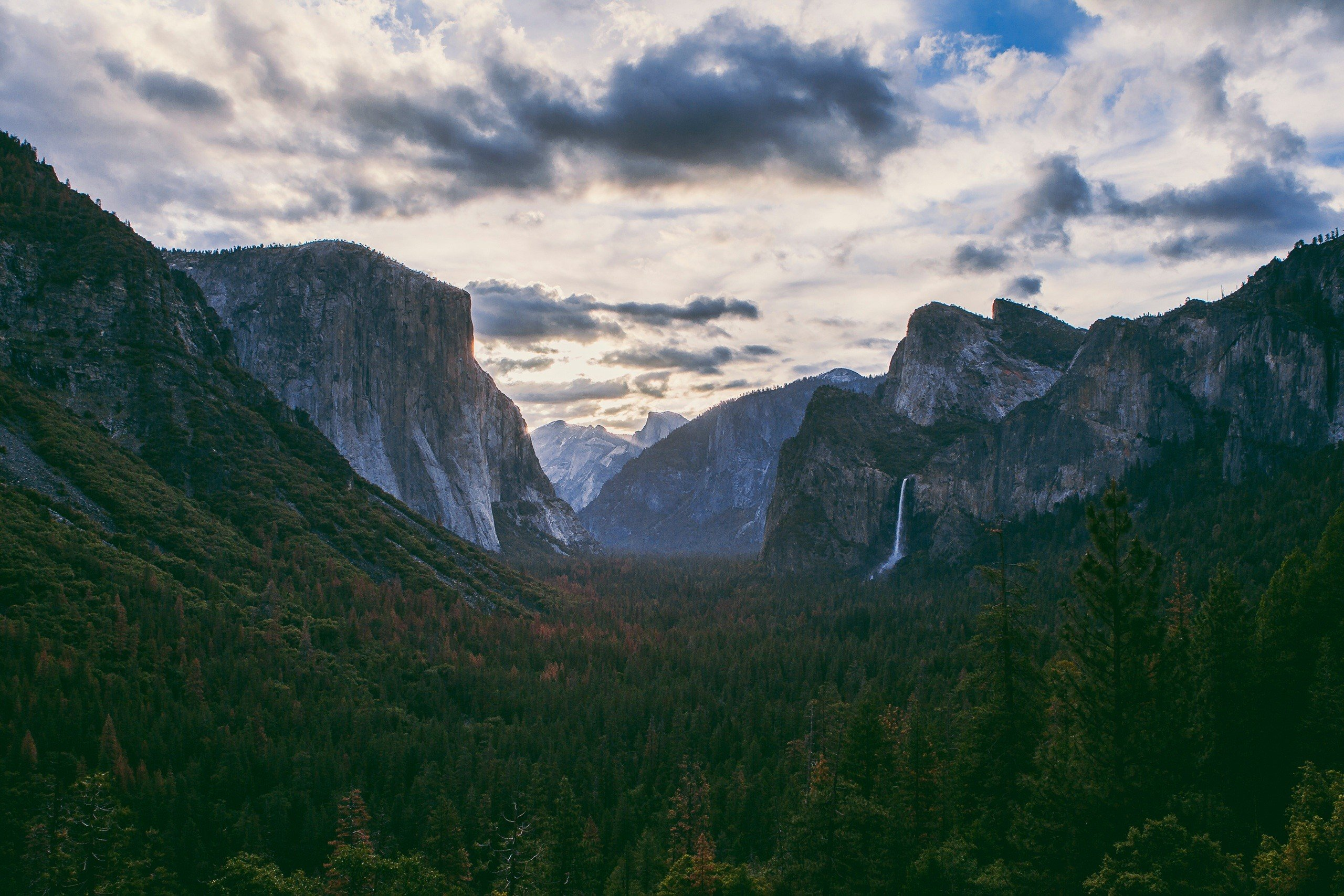 yosemite national park buddhist dating site Entertaining game to introduce you to one of the usa's most famous national parks 40 photos interesting spoken facts yosemite national park usa 1.