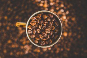 depth of field, Coffee beans, Mugs
