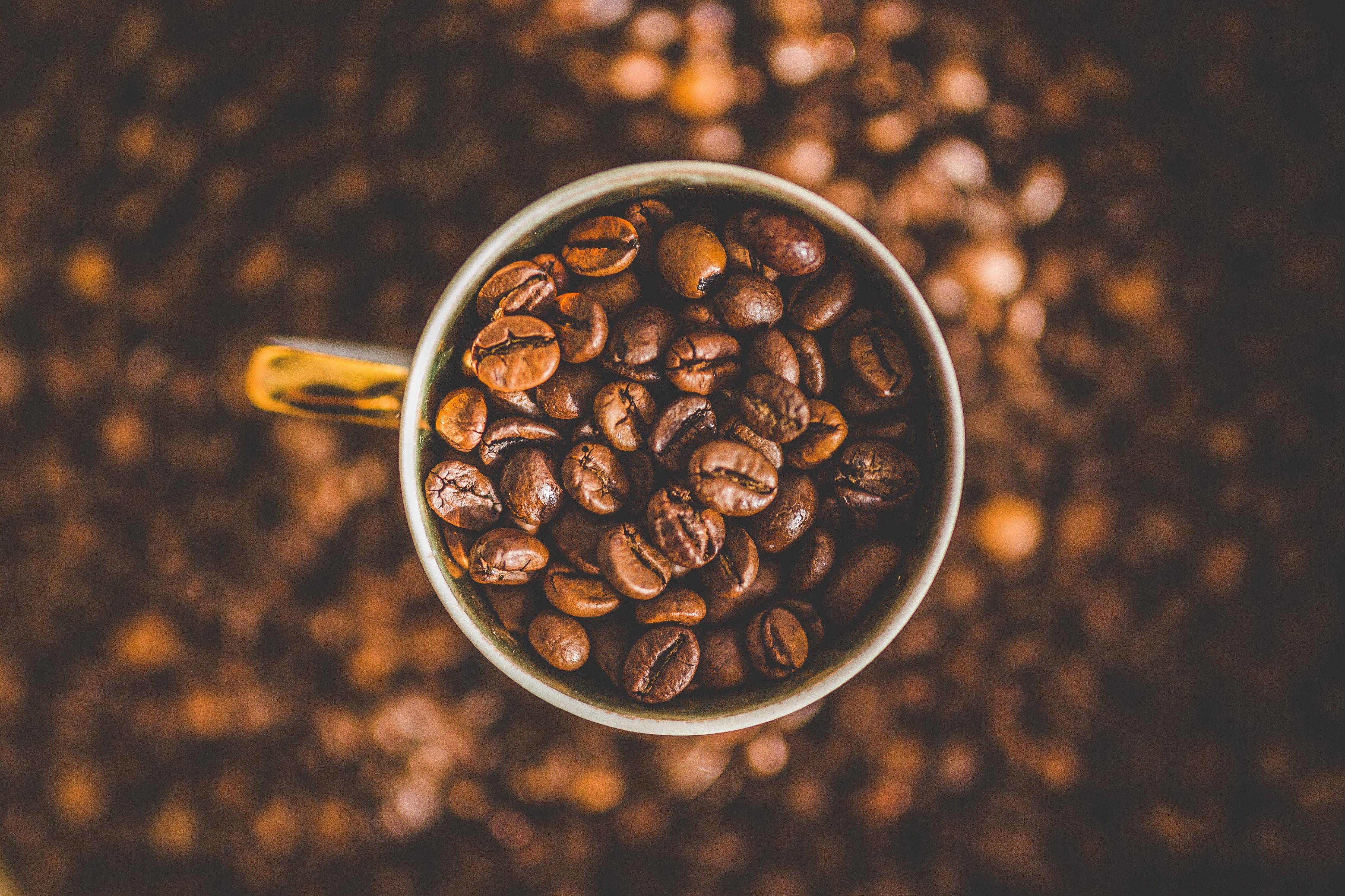 depth of field, Coffee beans, Mugs Wallpaper
