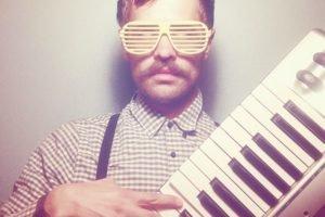 glasses, Synthesizer