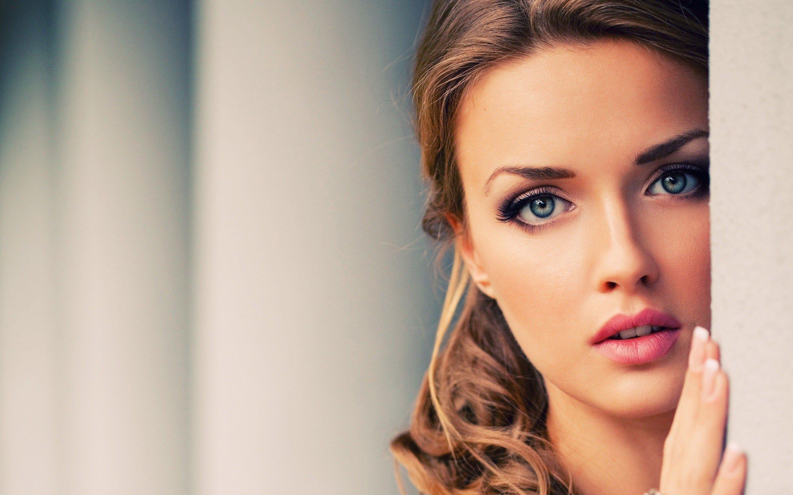 Women Model Face Brunette Blue Eyes Hd Wallpapers Desktop And Mobile Images Photos