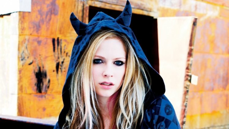 Avril Lavigne Hd Wallpapers Desktop And Mobile Images Photos