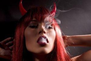 redhead, Smoking