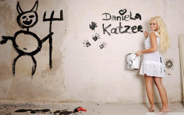 blonde, Daniela Katzenberger HD Wallpaper Desktop Background