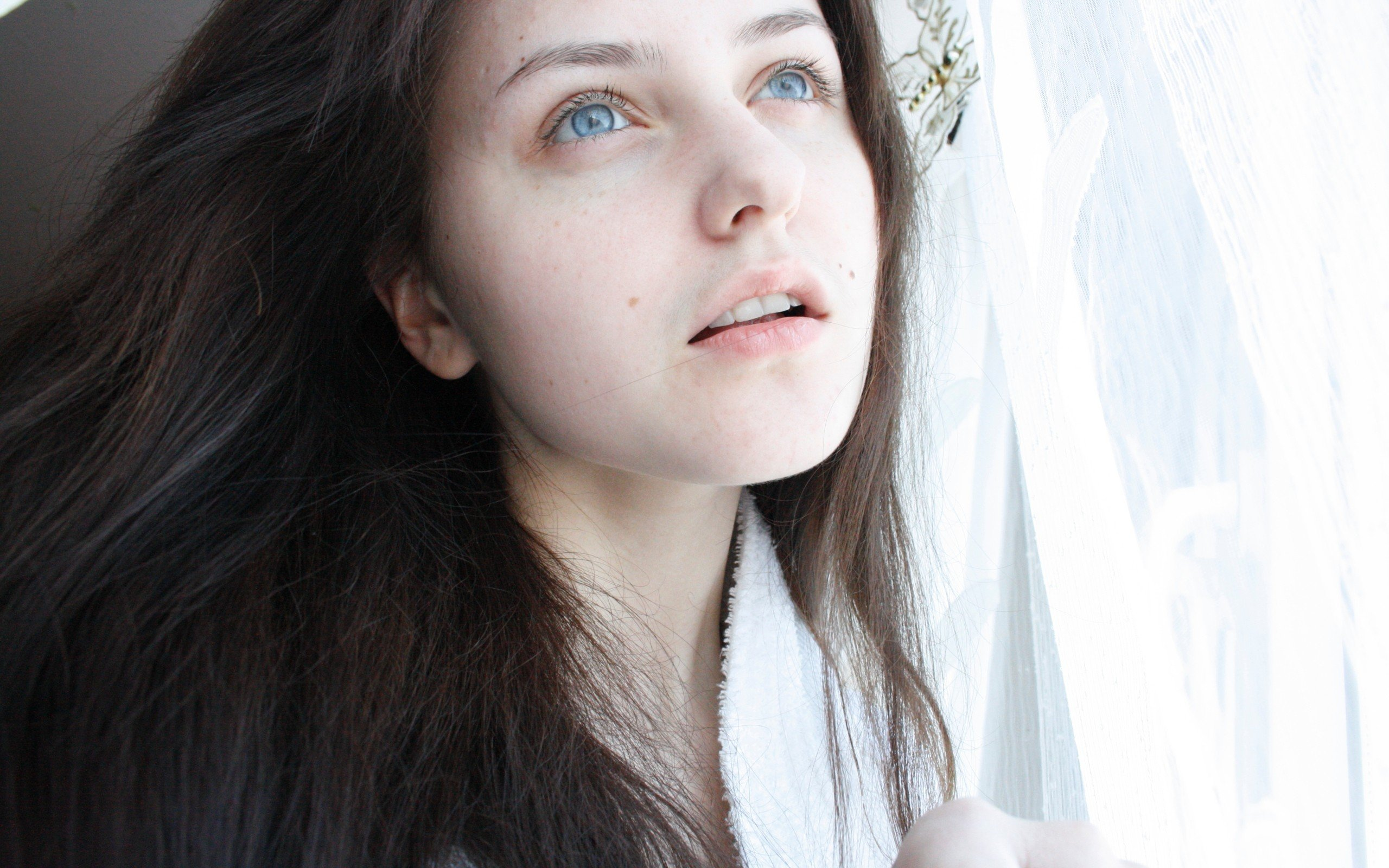 women, Brunette, Blue eyes Wallpaper