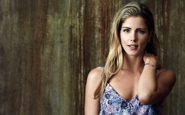 women, Emily Bett Rickards, Blonde, Blue eyes, Actress HD Wallpaper Desktop Background